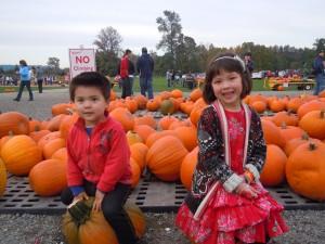 Kids-on-Pumpkins1-300x225